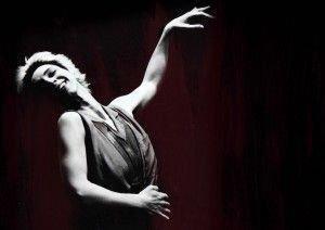A homenageada, natural de Irati, é a criadora do Teatro Essencial.